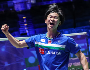 All England: Watanabe's Double the Highlight of Japan's Sweep